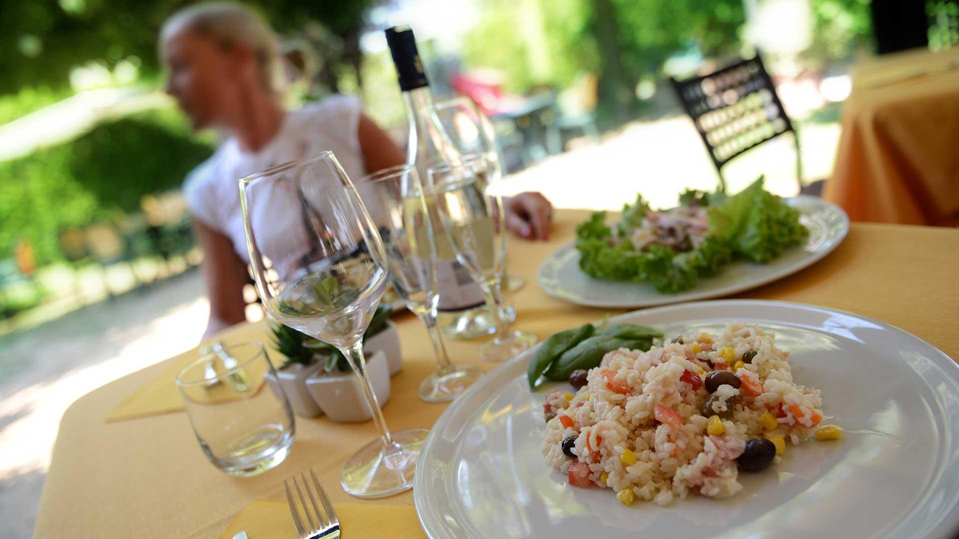 Foto offerta Sconto sulla cena al Rustichetto bed and breakfast locanda francigena lucca